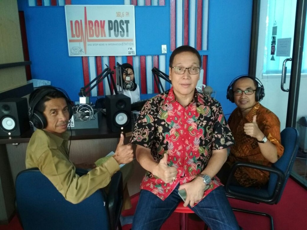 talkshow radio lombok post dg p Ricky