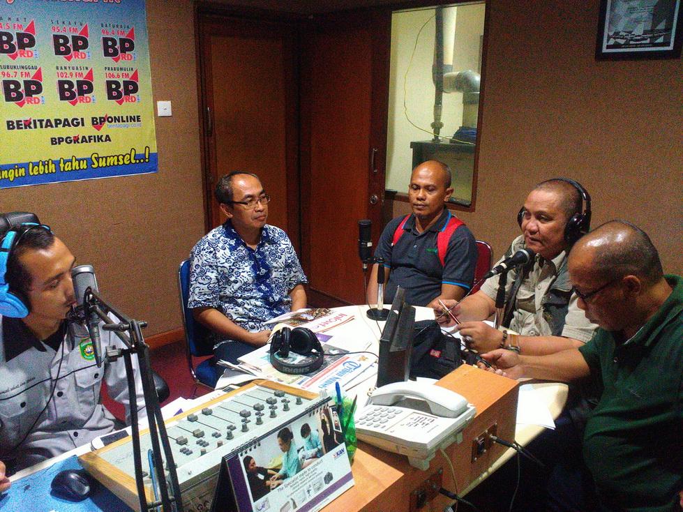 talkshow radio trijaya