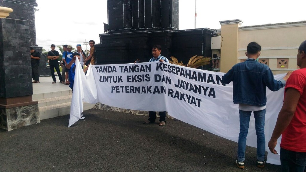 Pinsar Indonesia.Doa Keprihatinan Peternak.2.jpg